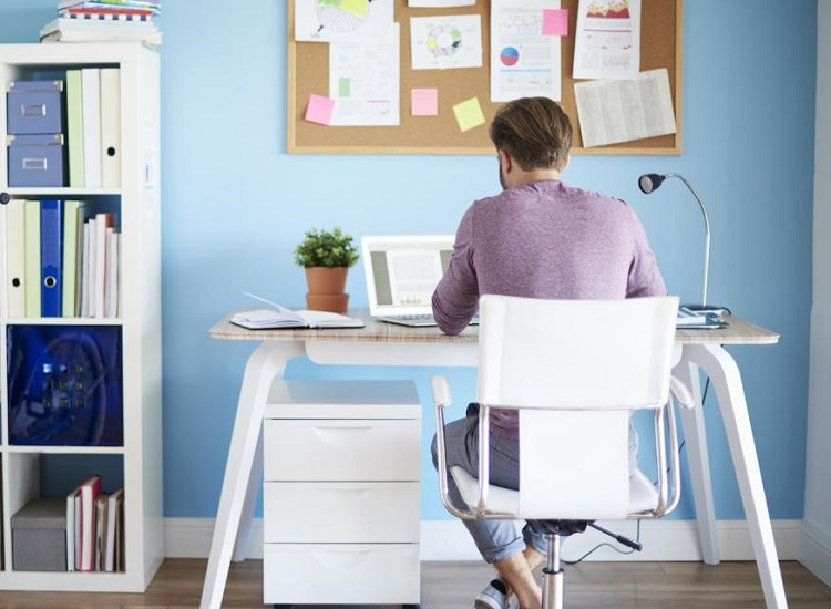 5 Essential Things You Need to Purchase for Your Work at Home Office